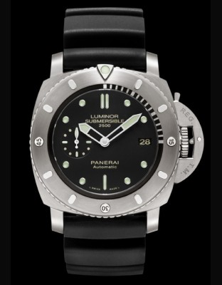 Luminor Submersible 1950 2500m 3 Days Automatic Titanio