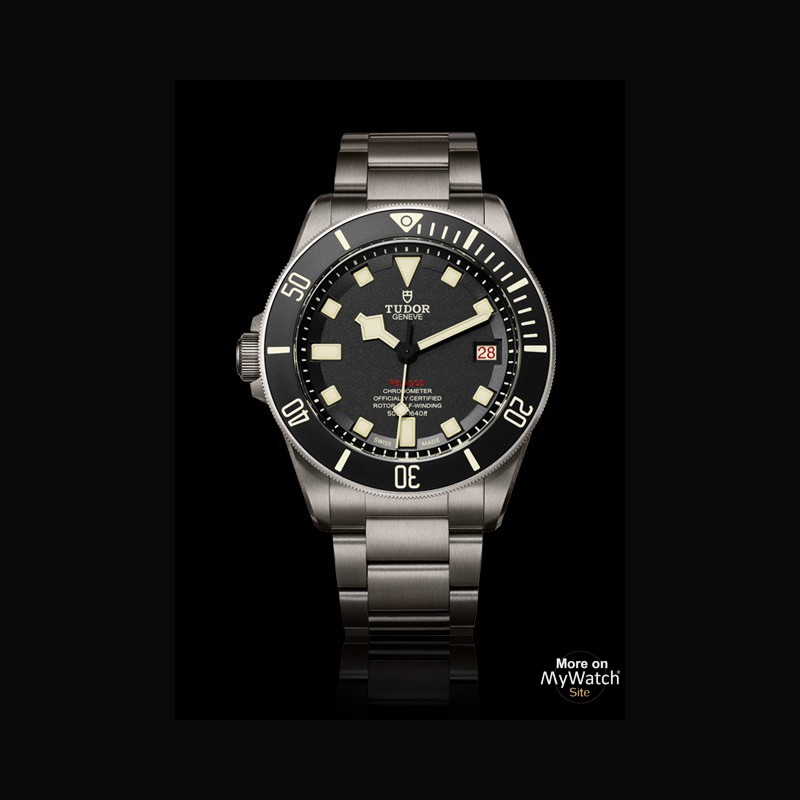 watch tudor pelagos lhd tudor pelagos m25610tnl 0001 titanium black dial titanium bracelet. Black Bedroom Furniture Sets. Home Design Ideas