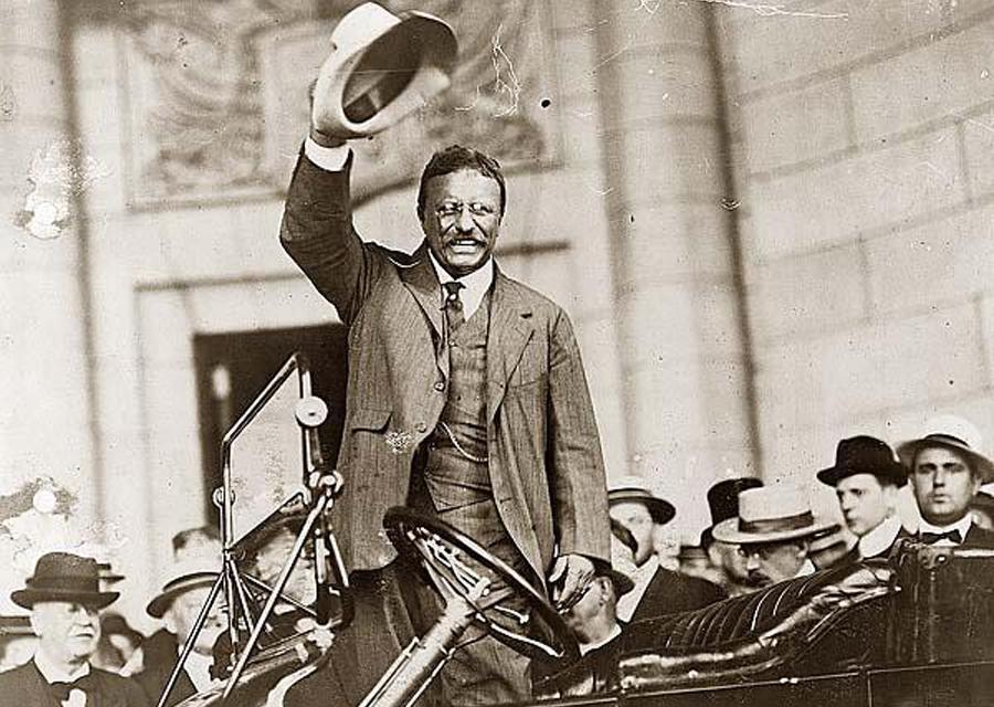 Le président américain Théodore Roosevelt arbore son panama