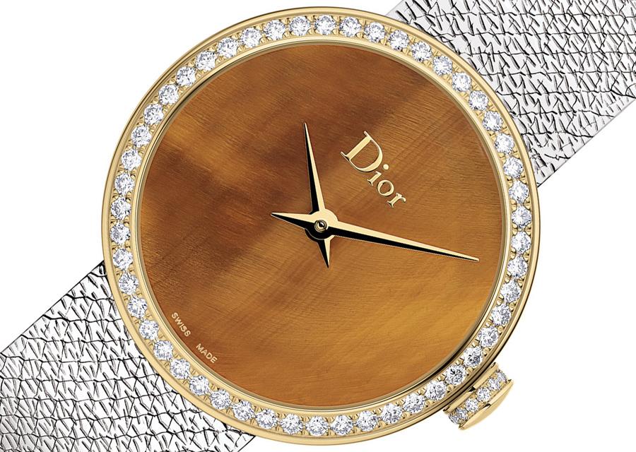 La D de Dior Satine Œil de Tigre et son fascinant cadran en pierre ornementale