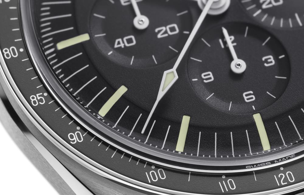 La Speedmaster Moonwatch Master Chronometer présente un petit point au-dessus du 90 comme la montre de 1969