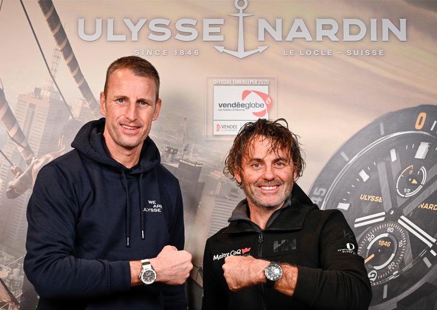 Vainqueur du Vendée Globe, Yannick Bestaven reçoit des mains de Patrick Pruniaux, CEO d'Ulysse Nardin, une Diver chronomètre