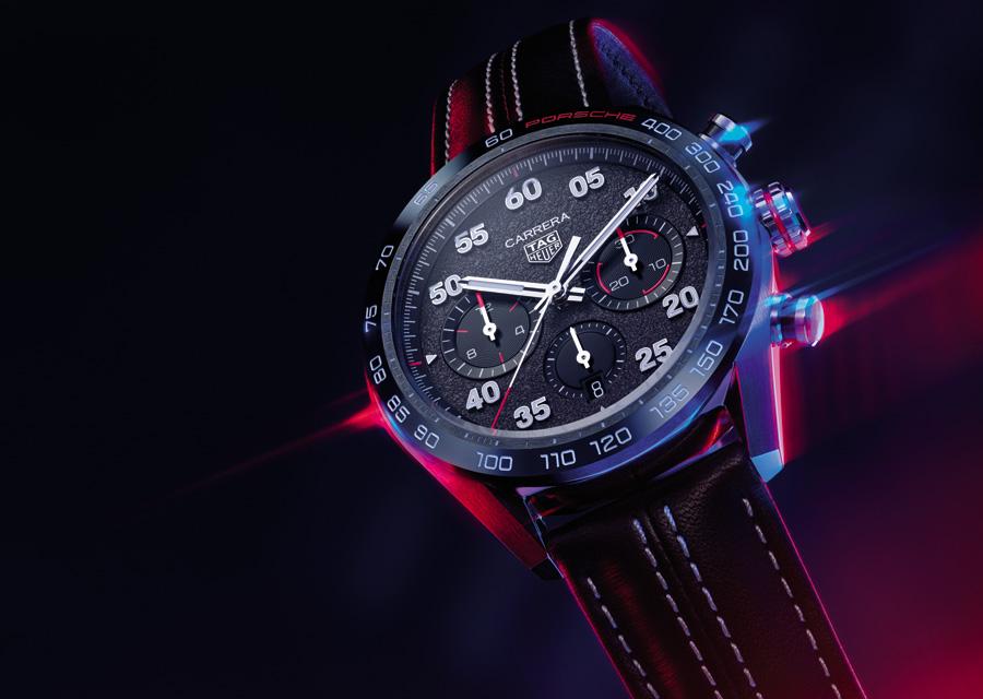 Illustration du partenariat entre TAG Heur et Porsche, le Chronographe TAG Heuer Carrera Porsche s'inspire des voitures de sport du constructeur