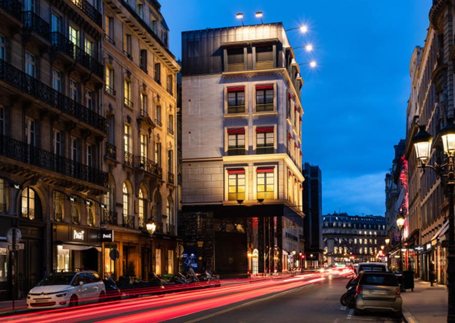 La boutique de Cartier du 13 rue de la Paix et son habillage en trompe-l'oeil