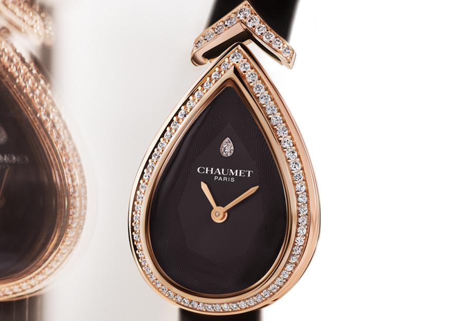 La montre Joséphine Aigrette de Chaumet en or rose et diamants