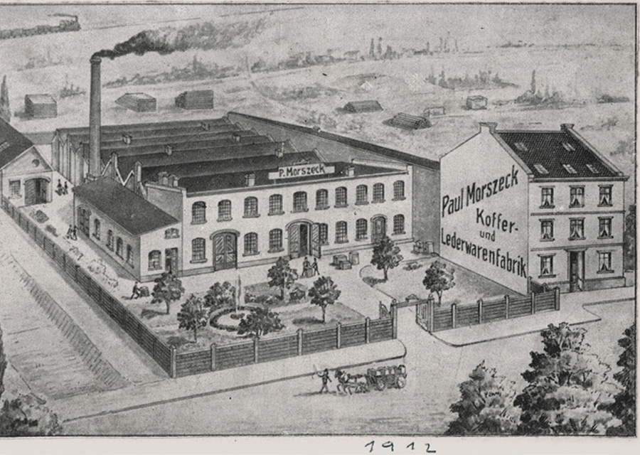 Fondateur de la future marque Rimowa, Paul Morszeck ouvre, en 1898, une sellerie à Cologne en Allemagne.