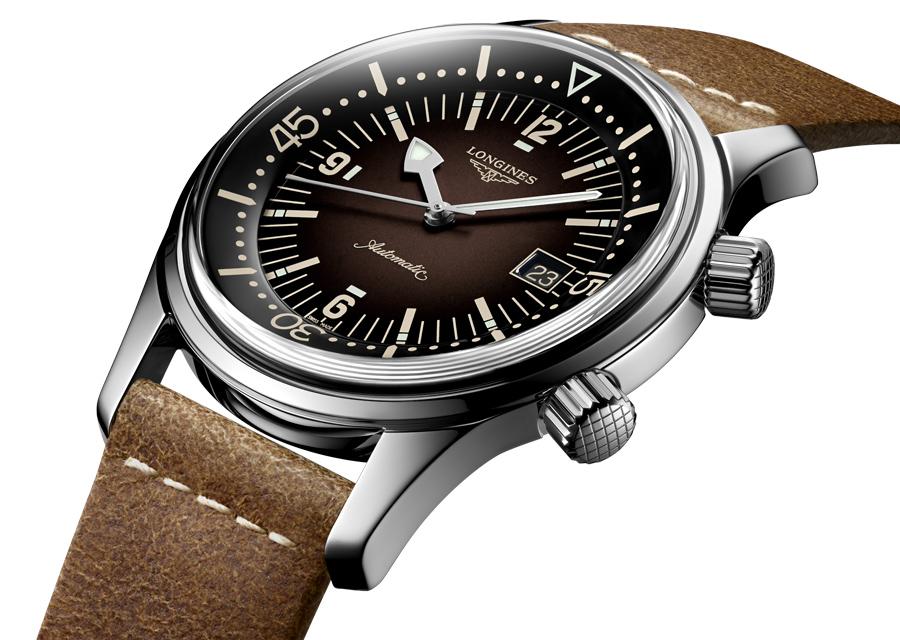 Longines propose sa Legend Diver Watch dans celle nouvelle version brune en acier