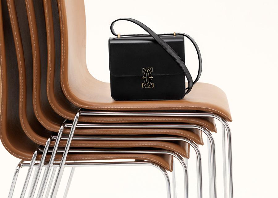 Le sac Double C de Cartier en version noir intense