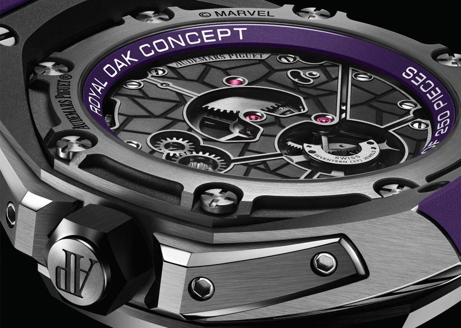 Vue côté fond de la Royal Oak Concept Black Panther Tourbillon Volant