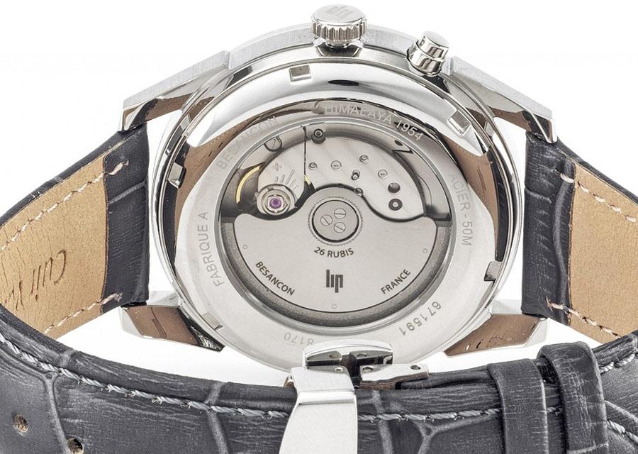 La montre automatique Himalya Calendrier de LIP possède un fond transparent