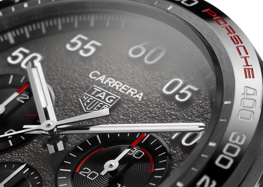 Quand montres et automobile fusionnent entre TA Geur et Porsche, le cadran revêt un motif effet asphalte