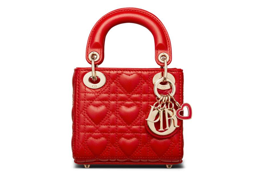 Le nouveau Micro-Bag Lady Dior en édition rouge passion