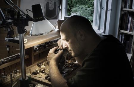 The master engraver Jean-Vincent Huguenin at work.