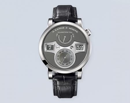 This Lange Zeitwerk is the only one to have a grey dial. Unique, it will be sold to benefit the association