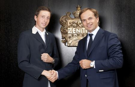 The young rider Martin Fuchs and Jean-Frédéric Dufour, CEO of the Zenith watchmaking manufacturer.