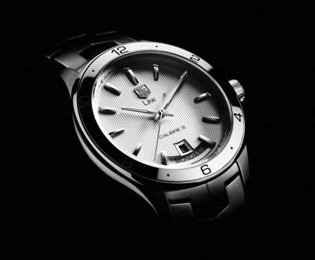 The TAG Heuer new LINK : an elegant piece, contemporary, with an ergonomic design and clean lines.