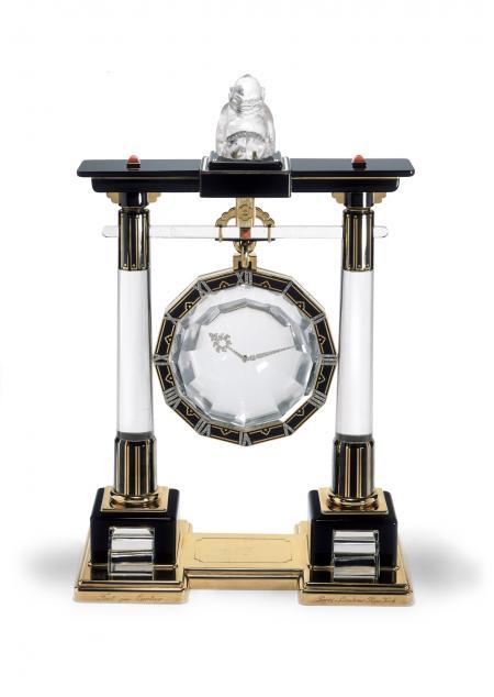 Large Portique mystery clock Cartier Paris, 1923 Gold, platinum, rock crystal, coral, onyx, enamel, rose-cut diamonds