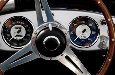 The dashboard of the Austin Healy 100M, 1953 inspired the Oris designers for the dial of the Oris RAID 2011 Limited Series.