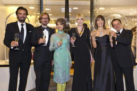 Benjamin Vuchot, Nicolas Bos, Josephine Siao Fong Fong, Cate Blanchett, Catherine Renier and Stanislas de Quercize.©Van Cleef & Arpels