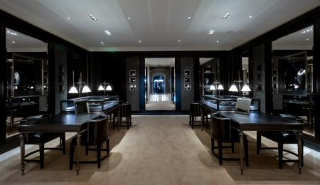 The first european Ralph Lauren Jewelry Salon is ground floor Ralph Lauren store avenue Montaigne.