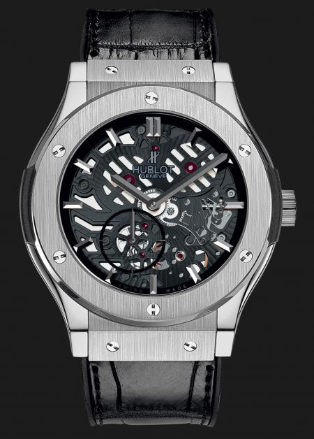 In titanium, the Classic Fusion Extra-Thin Skeleton is a 1000 pieces limited series.
