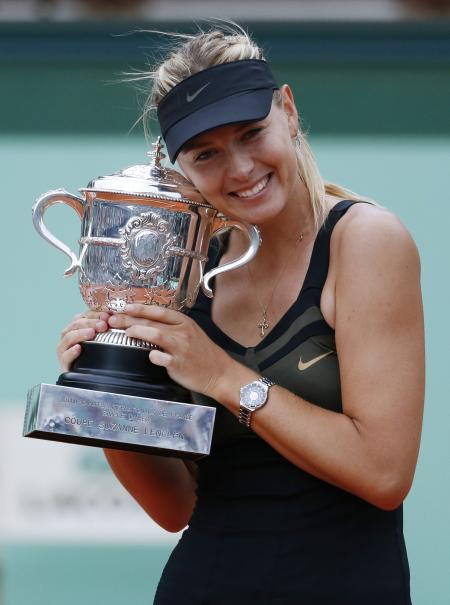 Maria Sharapova, victorious at Roland Garros with at the wrist the TAG Heuer Formula 1 Lady Steel and Ceramic.