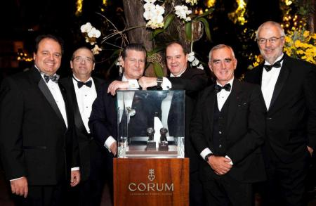 Gala party for Loïck Peyron and Corum who makes his return to the Brazilian market with its partner Grifith Jeweller.