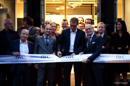Arnaud Miara, director of IWC France and Georges Kern, IWC CEO, with Laurent Blanc during the ribbon-cutting ceremony.