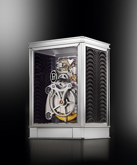 The clock 15 days Lalique - Parmigiani Fleurier, in black. Backside view.