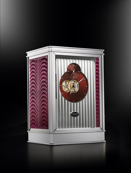 The clock 15 days Lalique - Parmigiani Fleurier, in pink.