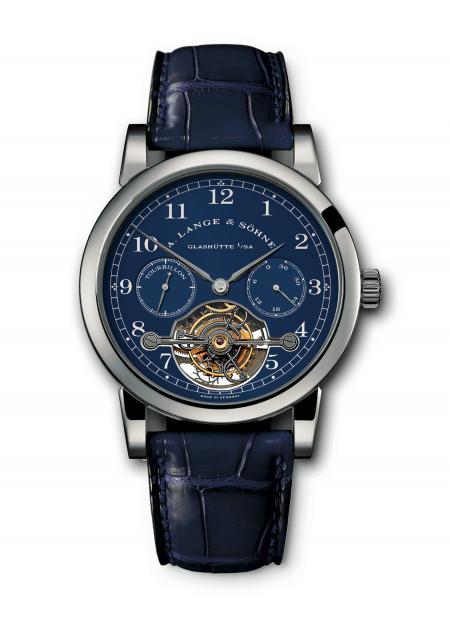 The Tourbillon Pour le Mérite features a rare combination : a white-gold case and a blue dial.