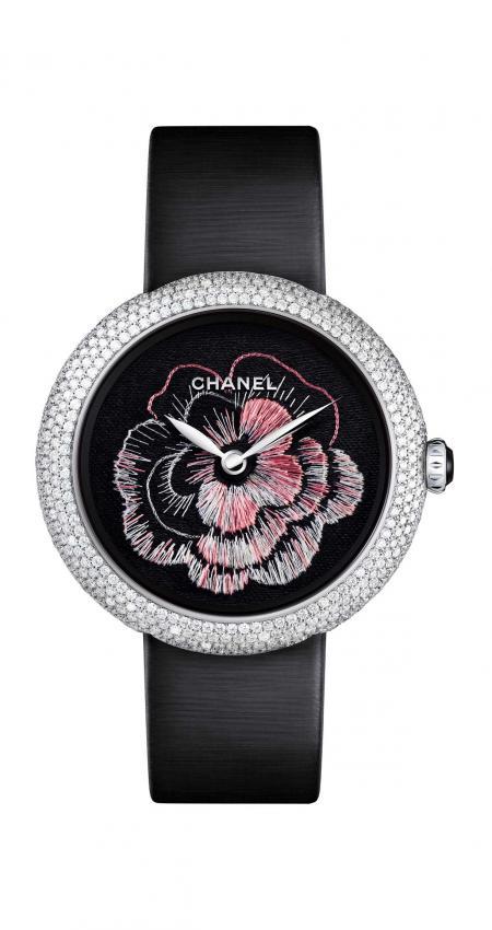 The Mademoiselle Privé watch, Camélia brodé dial