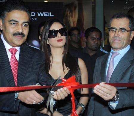 Bangalore - Mr Mantri along with Mr Bernheim and Jennifer Kotwal