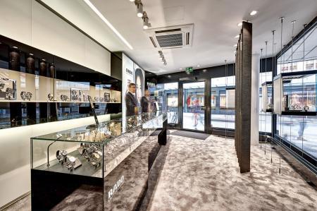 The first Rado boutique in Switzerland