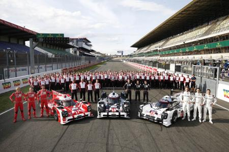 Porsche LMP1 teams at Le Mans