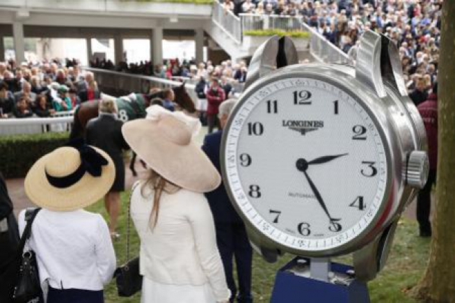 Longines precision timing for the Qatar Prix de l'Arc de Triomphe