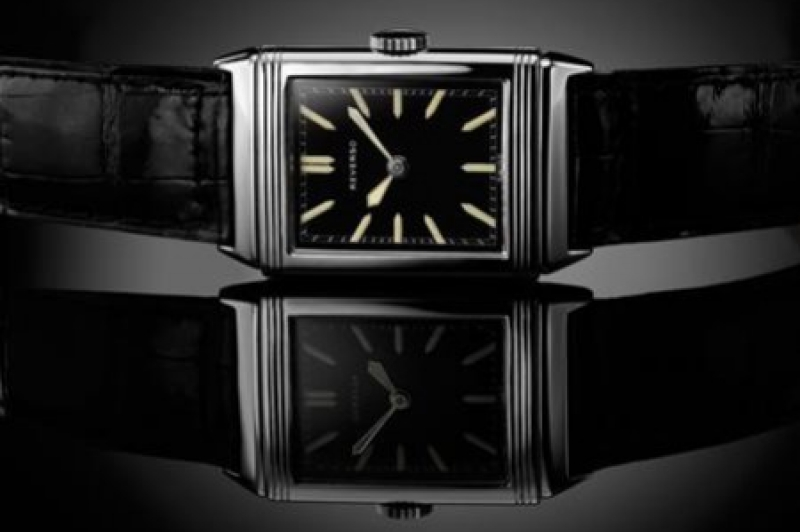 Reverso, a legend In movement, by master watchmakers at the pinnacle of refineme