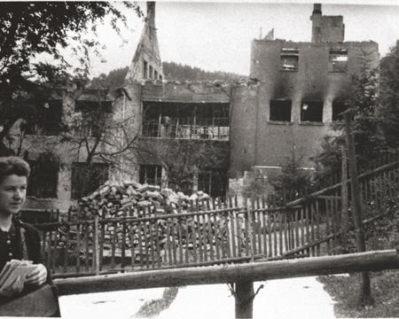 Building destroyed by bombs - 1945
